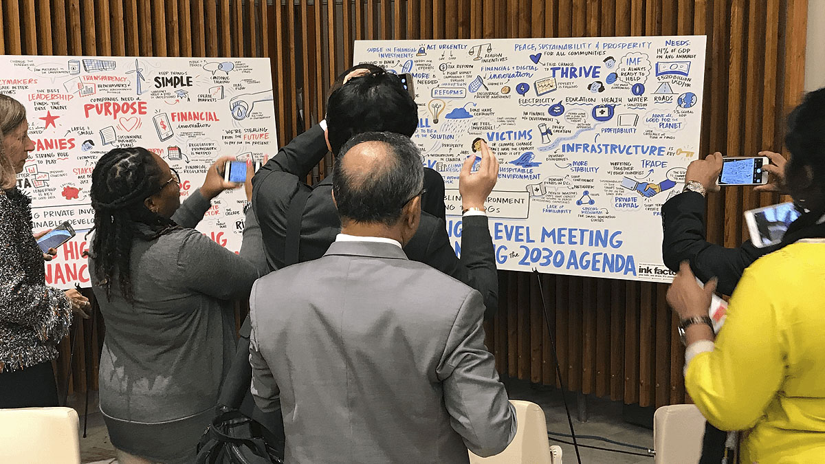 World leaders snap photos of visual notes created by Ink Factory at the United Nations
